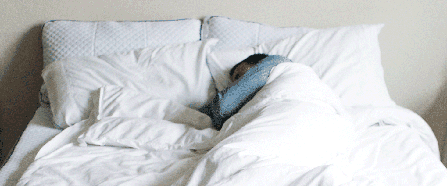 dead arm syndrome man sleeping on side