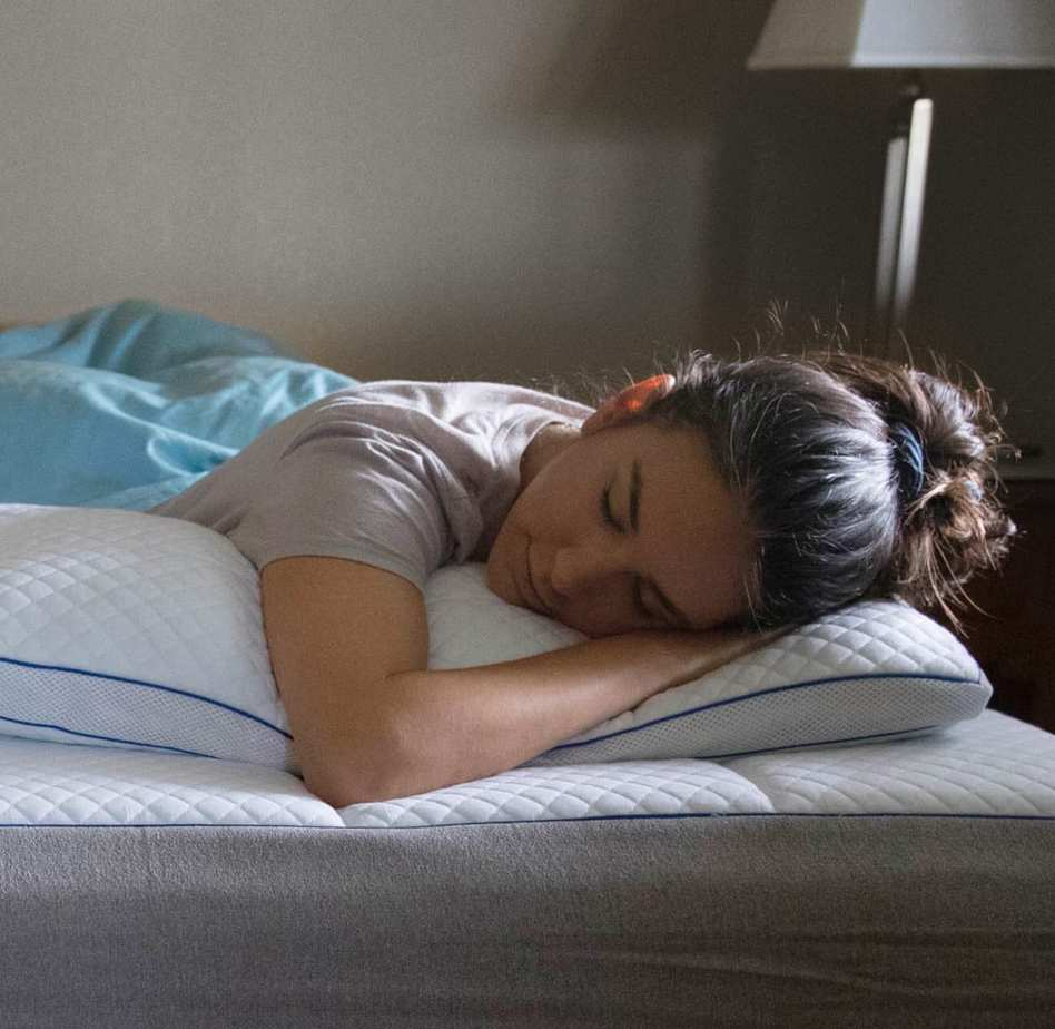 girl sleeping with memory foam pillow